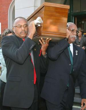 2006-peter-norman-coffin